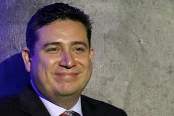 Renuncia de Eduardo Mangas