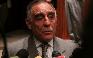 El candidato por la izquierda democrática Paco Moncayo dio una declaración imprecisa sobre la intención de voto de los ecuatorianos.