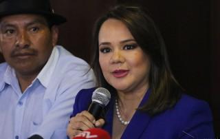 Monserratt Bustamante, candidata a la presidencia por la Izquierda Democrática