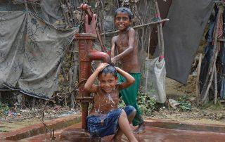 Refugiados rohingya en un campo de la Unión Europea en Bagladesh