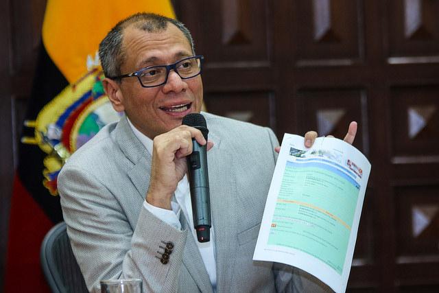 Jorge Glas habla con la prensa