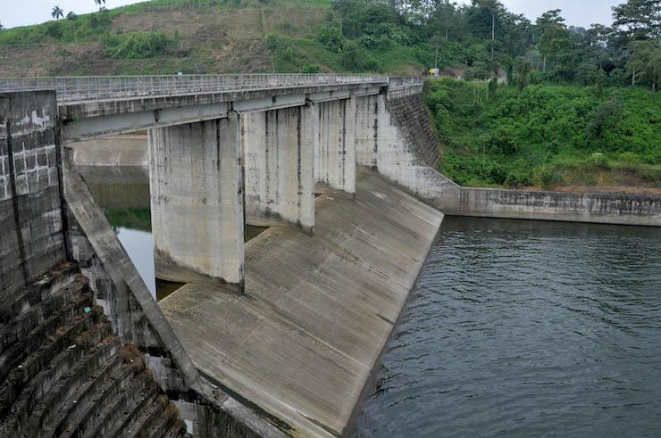 impactos ambientales y sociales de hidroeléctrica Baba