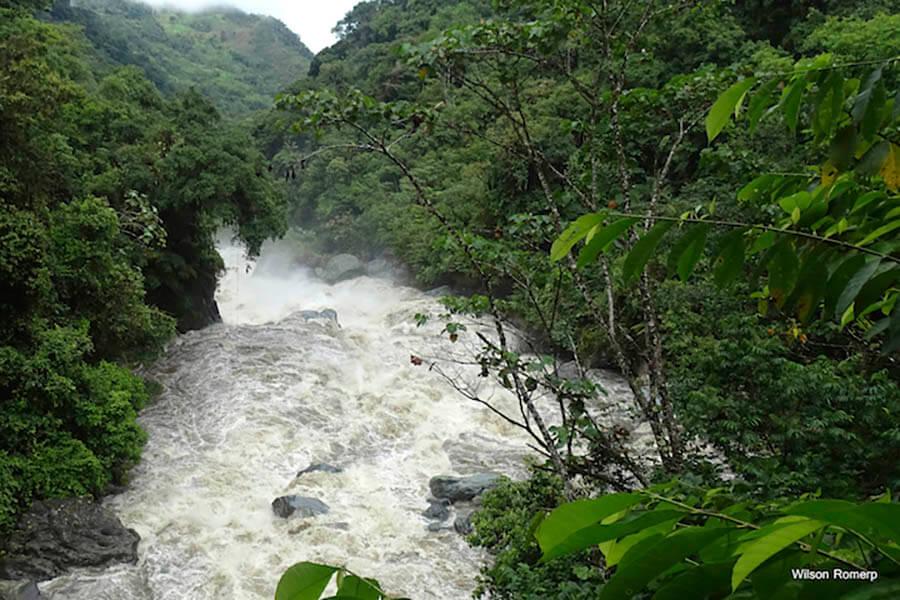 Agua en Río Negro Sopladora