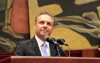 Carlos Ochoa censurado