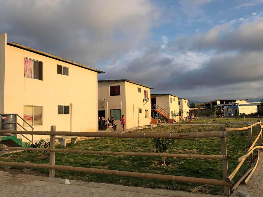 reconstrucción terremoto Ecuador