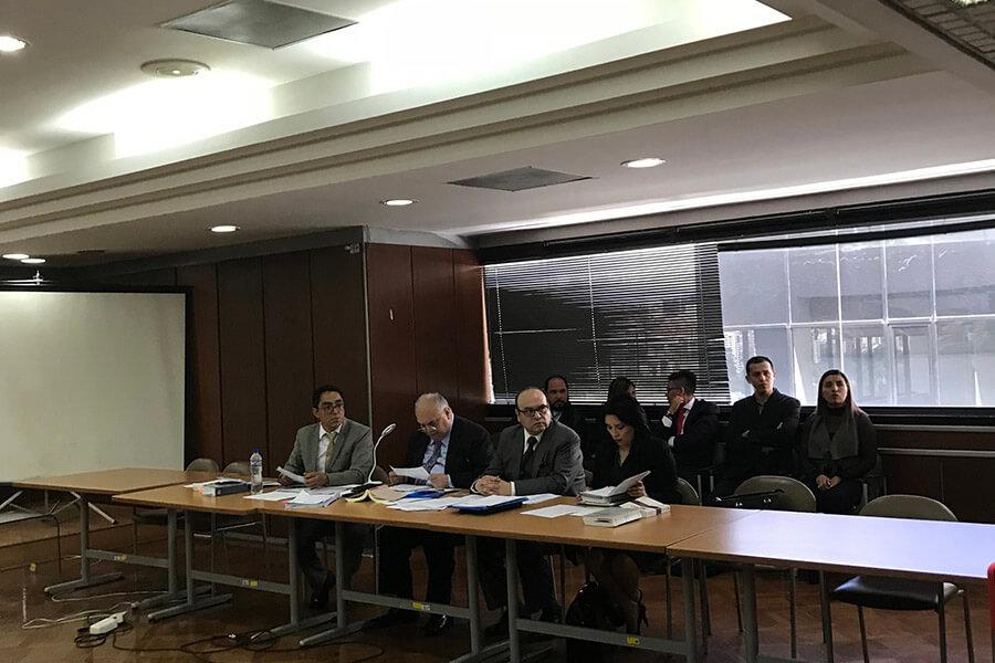 Los abogados de Rafael Correa en la audiencia de vinculación. Fotografía Sol Borja para GK.