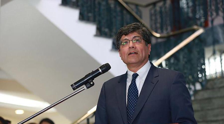 José Valencia, nuevo canciller