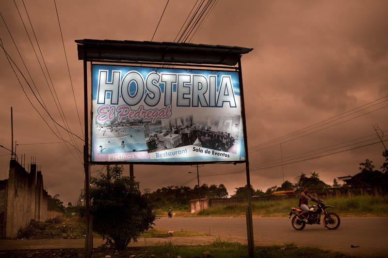 La Hostería El Pedregal es el lugar desde donde se vio salir por última vez a los tres periodistas asesinados. Aquí solían hospedarse los periodistas de El Comercio para todas sus coberturas en la zona. Foto: Periodistas sin cadenas.