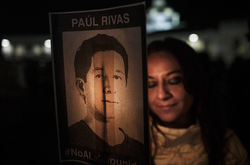 velorio-periodista-asesinado-en-la-frontera-de-ecuador
