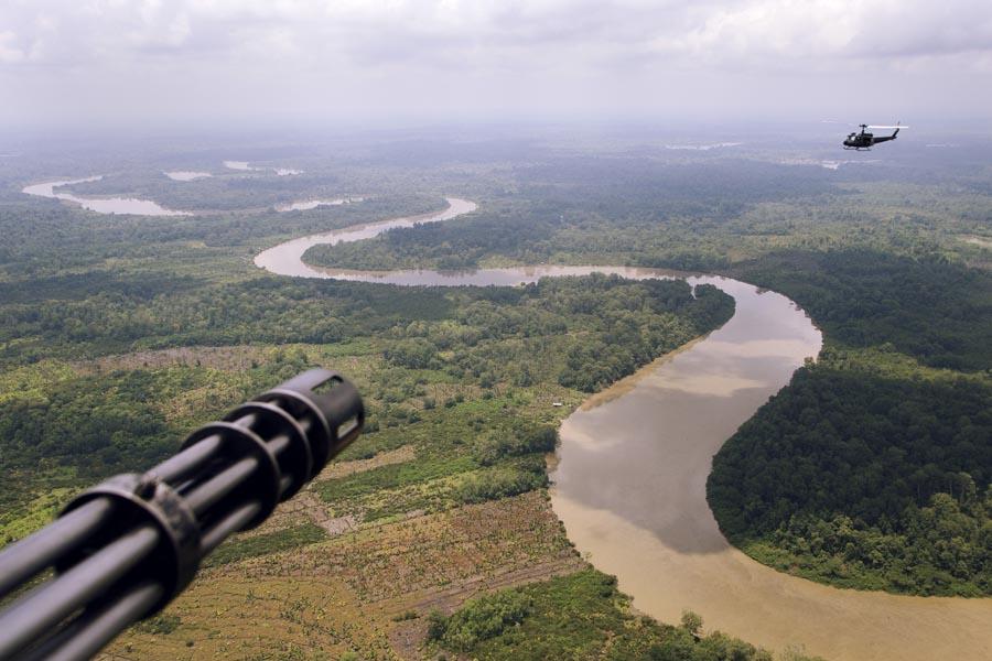 Operación contra la minería ilegal que realiza la Policía Nacional de Colombia en el sur del país.
