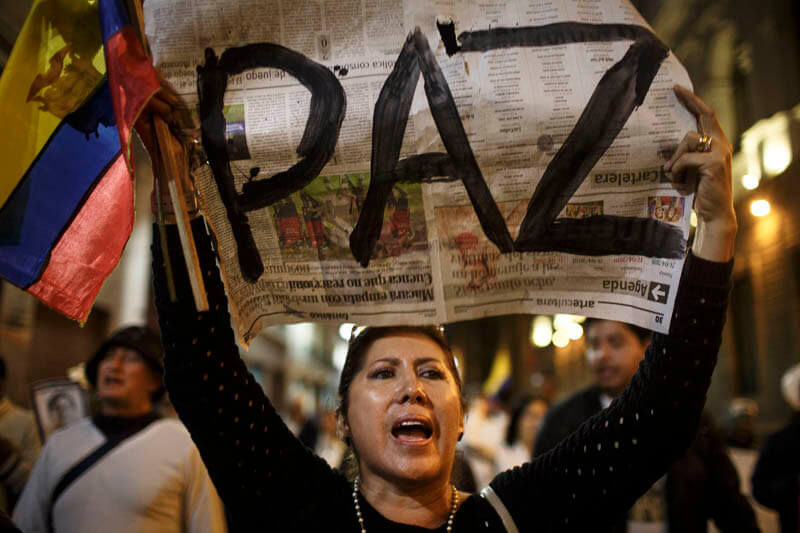 Manifestación por periodistas secuestrados y asesinados en la frontera de Ecuador