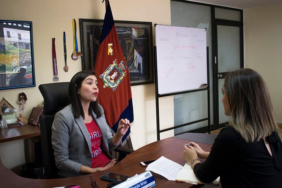 """""""Empecé haciendo discursos y sirviendo café"""", Daniela Chacón. Fotografía de Lisette Arévalo para GK."""