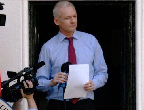 Julian Assange, diplomático fallido