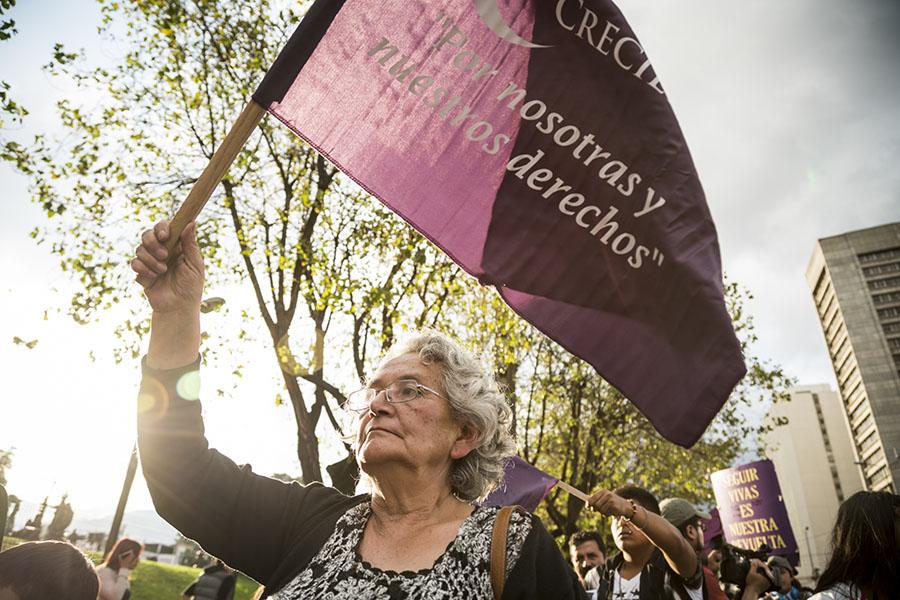 anciana asistió a marcha de vivas nos queremos