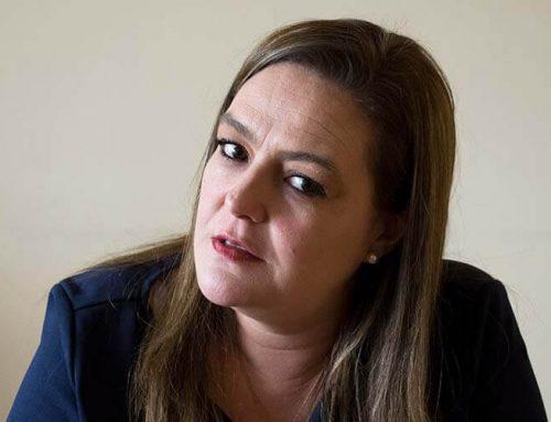 """Lourdes Cuesta: """"Llevamos año y medio de un nuevo gobierno y sigue hablando de Correa"""""""