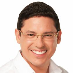 Gino Cornejo es candidato a la Alcaldía de Guayaquil