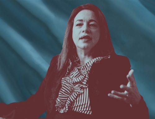 María Fernanda Espinosa escapa de su muerte política