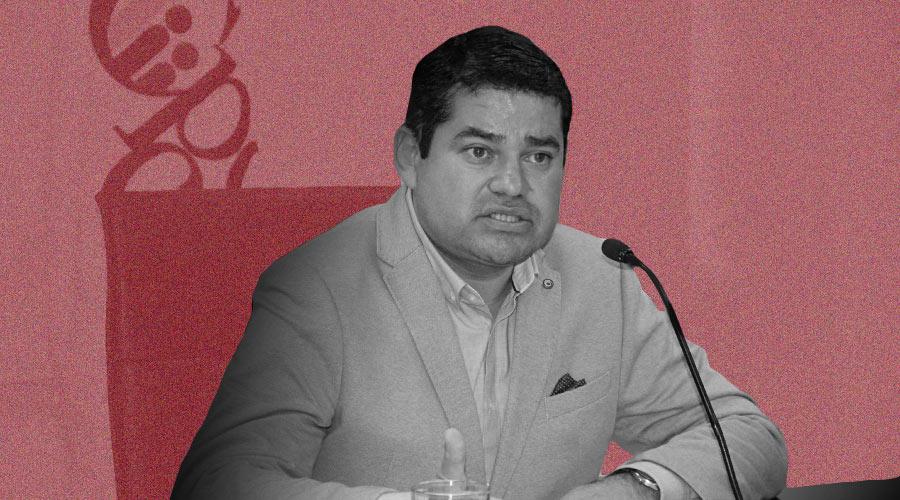 Jose Tuárez se enfrenta a la prensa, a la Iglesia y a la Asamblea Nacional.
