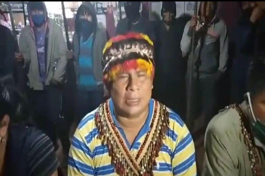 indígenas secuestran a funcionarios del Ministerio de Gobierno