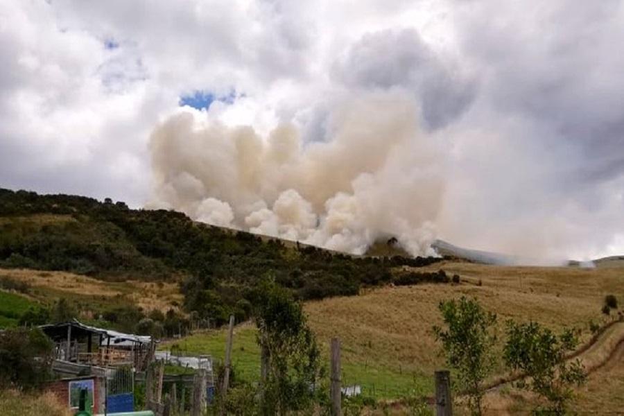 incendio en el cerro Atacazo