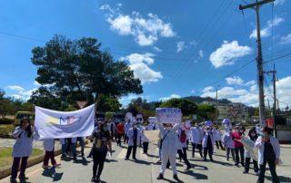 Médicos posgradistas suspenden actividades