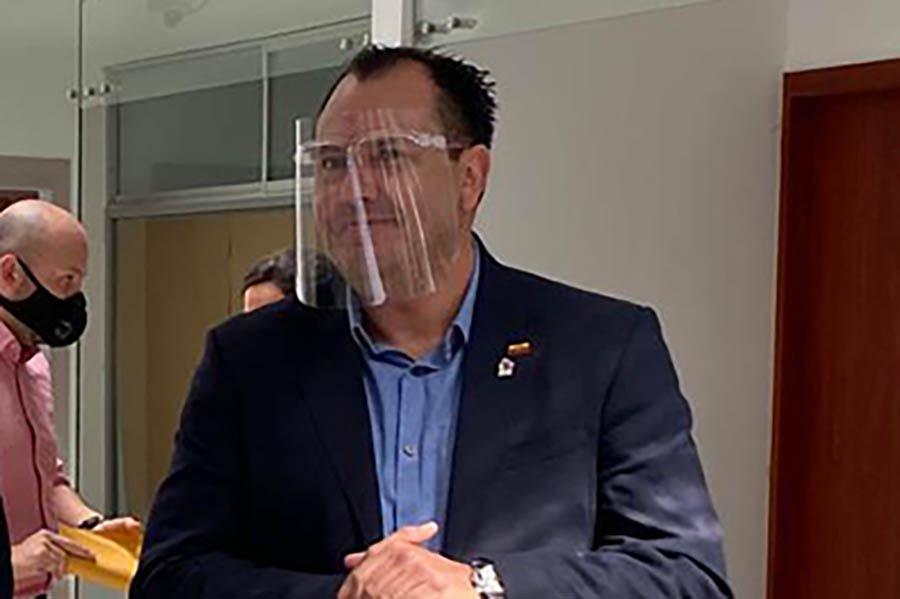 Byron Solís