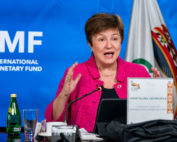 primera revisión del acuerdo con el FMI