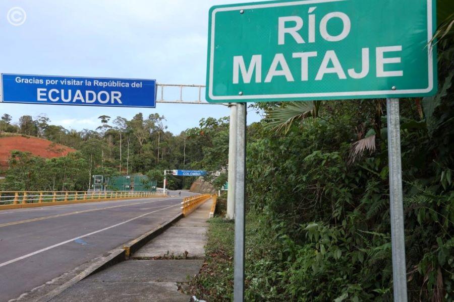 construcción de puente sobre el río Mataje