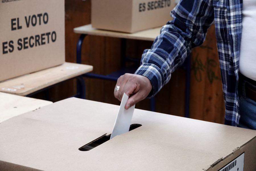 se suman los votos nulos