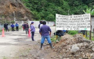 entrada de trabajadores mineros