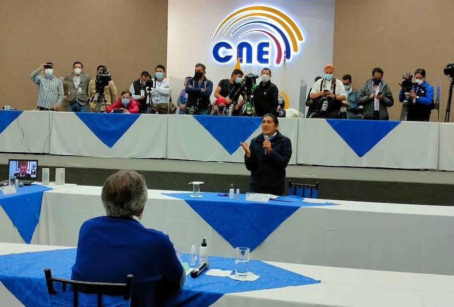 Yaku Pérez y Guillermo Lasso se reunieron en el CNE