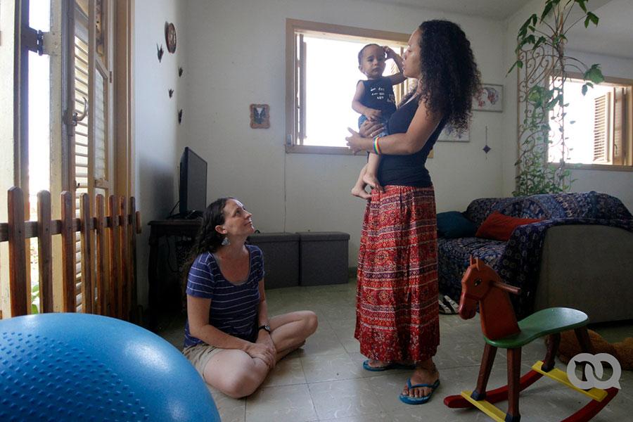 Dos madres en Cuba