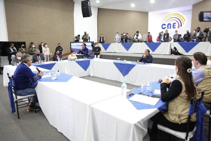 Yaku Pérez y Guillermo Lasso llegaron a un acuerdo